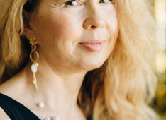 Regina Totter, 56 years old, Straight, Woman, Maple Ridge, Canada